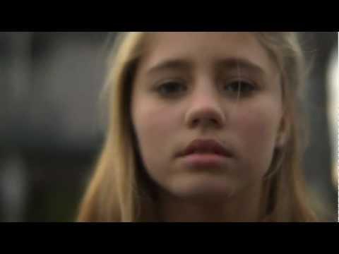 Coronation Street - Sarah Gives in to Her Lust and Kisses Gary!Kaynak: YouTube · Süre: 1 dakika31 saniye