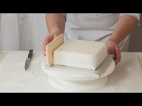How to decorate a square wedding cake with fondant