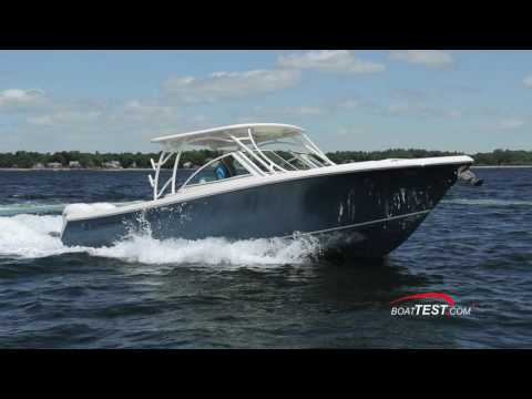 Sailfish 325DC (2016-) Test Video - By BoatTEST.com