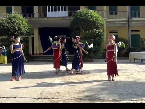 Múa Gà gáy Trường TH Ng Hữu Tiến