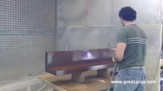 Aplicación de poliuretano a muebles de alta calidad con equipo Polimix de mezcla externa