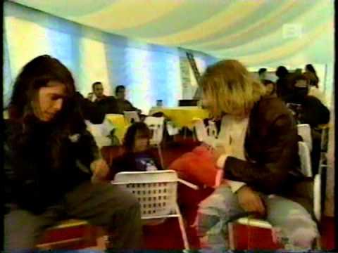 Nirvana - Smells Like Revolution - 9 Days That Rocked The 90