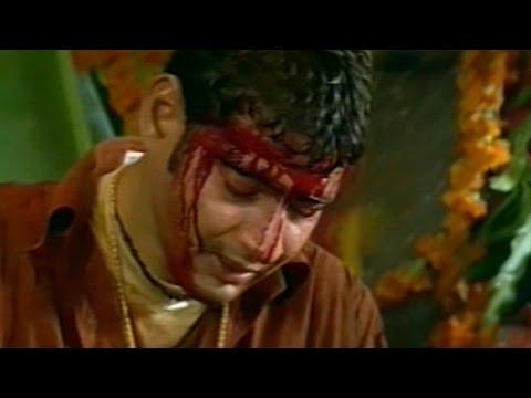 Murari    Mahesh Babu do Prayers with Wounds Sentiment Scene    Mahesh Babu, Sonali Bendre