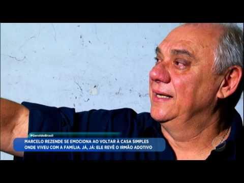 """Marcelo Rezende visita a casa em que cresceu: """"Antes, eu vivia em um cortiço"""""""