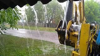 Сегодня прошел приличный ливень! Затопило по самi крокви!))