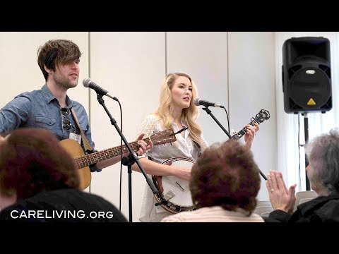 "Ashley Campbell And Shannon Campbell Play ""Gentle On My Mind"" At Abe's Garden In Nashville, TN"