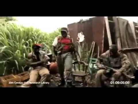 Singe tir sur des soldats Africain avec un AK-47
