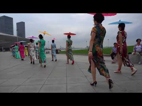 2017.8.23 Dalian folk cheongsam love team Donggang catwalk