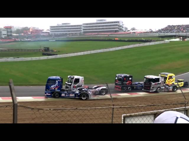 BTRA Division1 Truck Racing crash - Race2 BRANDS HATCH 8/11/15