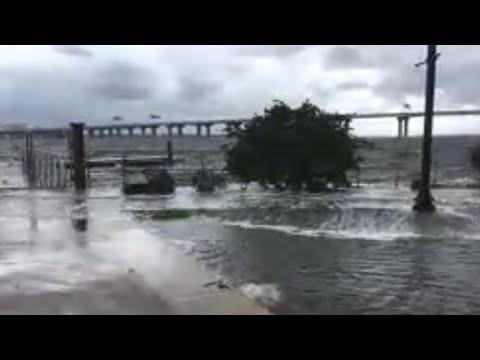 Irma's storm surge hits Jacksonville, Florida