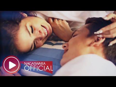 Ussy Feat Andhika - Tentang Cinta (Official Music Video NAGASWARA) #music