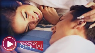 Ussy Feat Andhika Pratama - Tentang Cinta - Official Music Video - Nagaswara