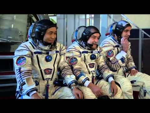 Expedition 38/39 Crew Undergoes Final Training Outside Mosco