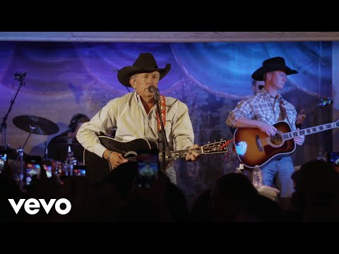George Strait - Amarillo By Morning - Live from Gruene Hall