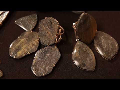 Камень уткинит (черный авантюрин)