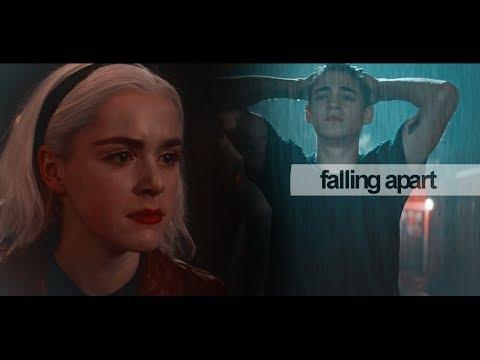 Multicouples:: Falling Apart