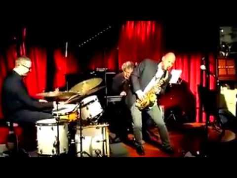 Oriol Gonzàlez Crazy Trio & Matthew Simon - Tin Tin Deo