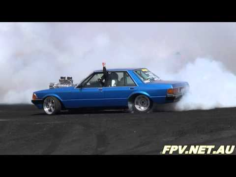 BLOWN V8 FORD FALCON ( BLOHSV ) BURNOUT AT SUMMERNATS 25
