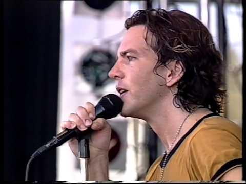 Pearl Jam- Ed talks / Black (Pinkpop 2000)