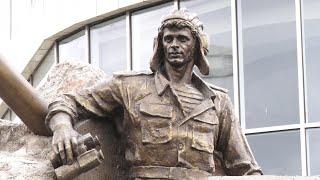 Bakıda Albert Aqarunovun heykəlinin açılışı olub
