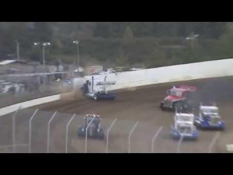 Grays Harbor Raceway, August 20, 2016, Rolling Thunder Big Rigs Leo Norris Crash