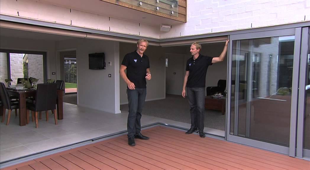Vantage Metro Series Sliding Doors with Hamish Bond and Eric Murray - YouTube & Vantage Metro Series Sliding Doors with Hamish Bond and Eric ... Pezcame.Com