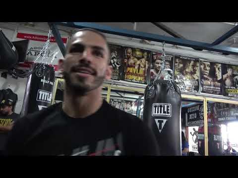 """EPIC Jorge Linares Describes Fighting Vasyl Lomachenko """"He's Here Then He's Here"""""""