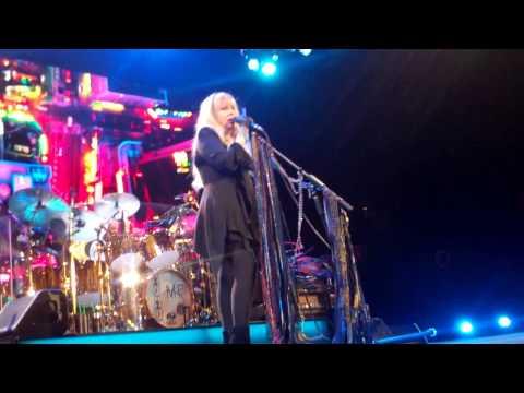 World Turning (part 1 of 2) Fleetwood Mac LA Forum 4-14-15