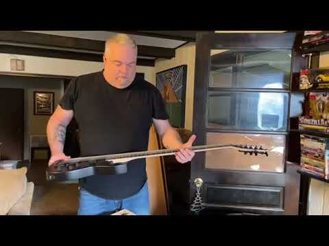 Mike Jilge unboxing Solar Guitars A Series 5 string bass.
