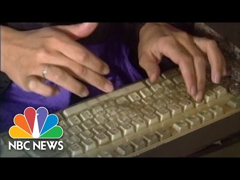 What Internet Forums Looked Like Back In The Day | Flashback | NBC News