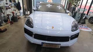 포르쉐 카이엔 차량의 룸미러 ECM 기능불량 수리 완료…