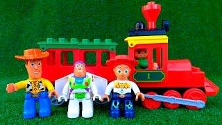 ✿ Лего мультик для детей. История игрушек. Цветная пирамидка  LEGO DUPLO. Учим цвета.(Развивающий Lego мультфильм для детей - учим цвета, строим вместе разноцветную пирамидку из кубиков Лего..., 2016-01-05T13:00:01.000Z)