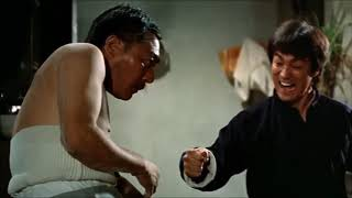 Брюс Ли разбираеться с противниками  'Кулак Ярости'  Эпизод Из Фильма