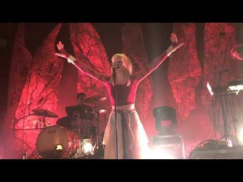 AURORA // Queendom (Live @ Oslo) 14.12.17