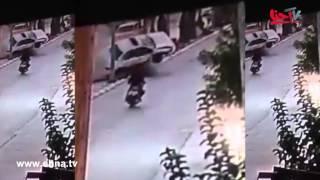 شاهد لحظة اصطدام السيارة بالدراجة النارية في حادث السير الذي وقع على شارع نابلس بطولكرم