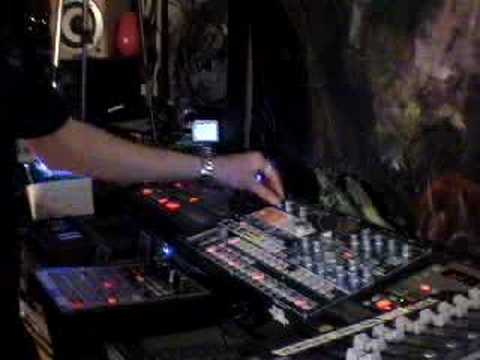 World of the Resonance DVD clip. Live Hardware Performance by Purist Live ©2007PuristProductions®