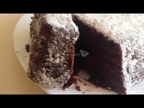 Шоколадный пирог с вишнями