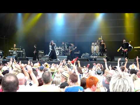 Doctor and the Medics - Spirit in the Sky -live @ Rewind Festival Scone Palace - Scotland Perth 2011