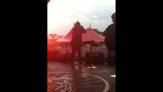 Skindred - Doom Riff acoustic set