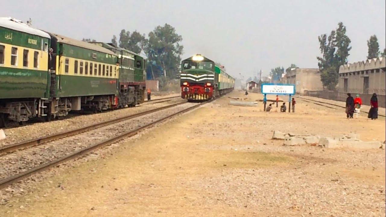 Three Train Crossings on Same Day | Rawalpindi Express vs Others | Pakistan  Railways