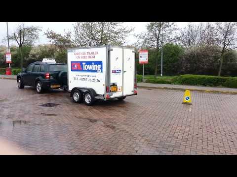 B+E Trailer Towing Test Reversing Manoeuvre 2015 - Links Driving