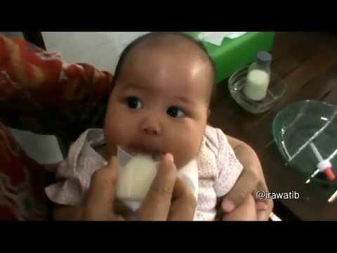 Cara memberikan ASI Perah pada bayi menggunakan gelas & pipet
