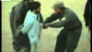 brave afghan police catchs sucide attacker