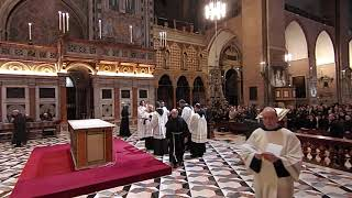 20180330 - rito dell'adorazione della croce nella solenne azione liturgica del Venerdì Santo