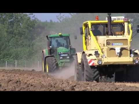 Russischer K700 & John Deere Traktor pflügen - Russian Tractor plowing