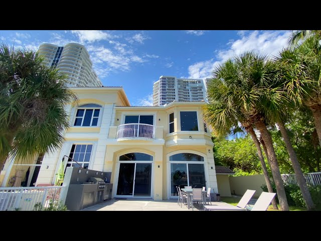 Courtyard Townhome at The Point in Aventura