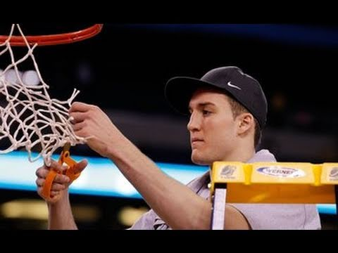 March Madness 2011! Who Wins the NCAA Basketball Tournament?! - JRSportBrief