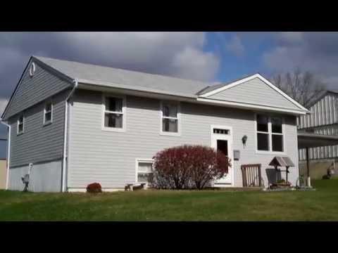 Home for sale Cincinnati Ohio. 3822 Elljay Dr. Sharonville Ohio