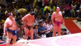 若の里、旭天鵬のベテランコンビが活躍!こども相撲(平成25年、ジャカルタ巡業 千秋楽 SUMO TOURNAMENT in Jakarta 2013) thumbnail