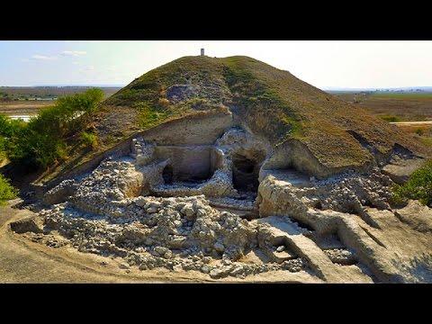 Açılmış Kral Mezarları ve Defineleri /  Royal Tombs And Treasure